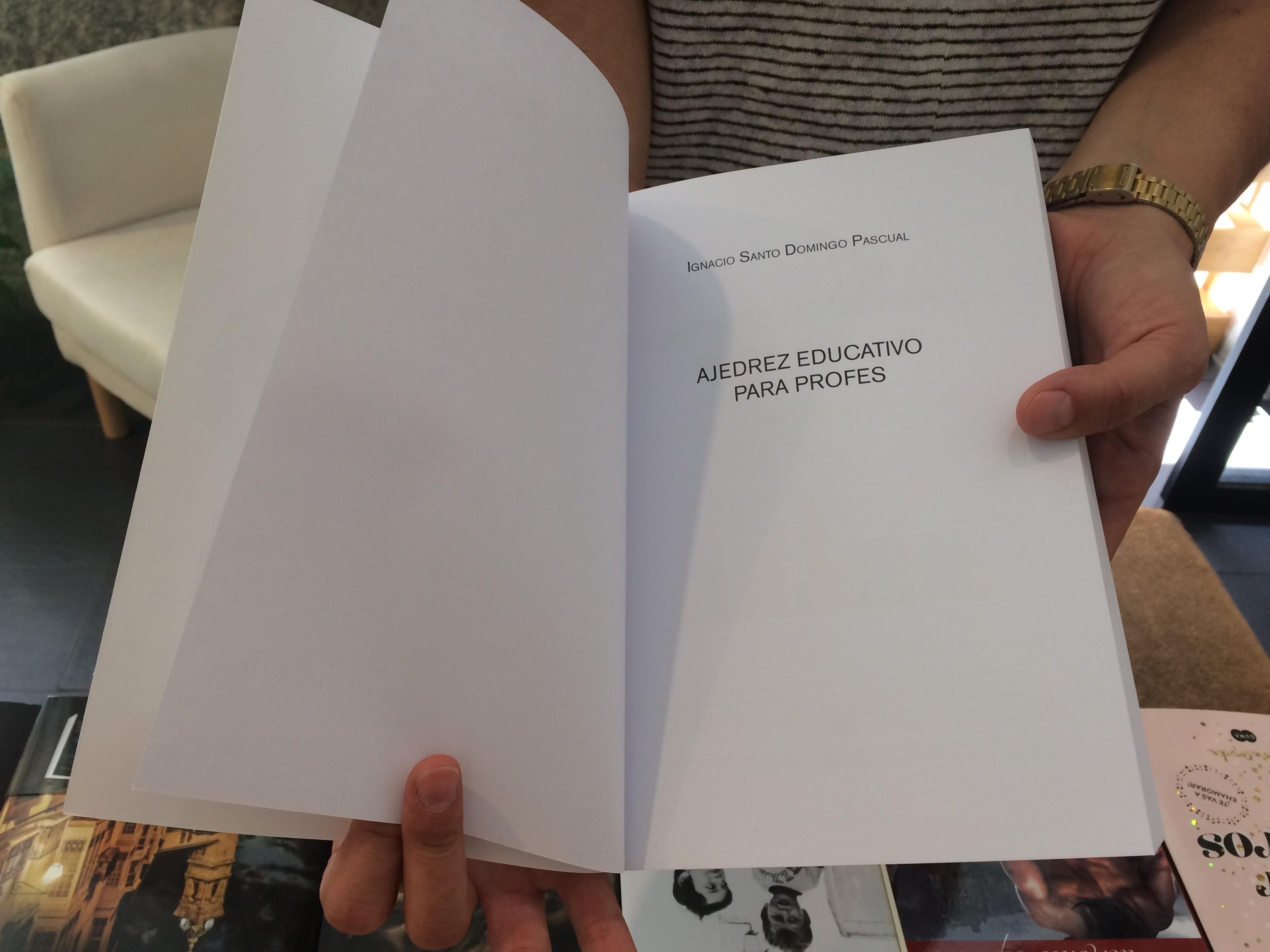 ¿Cuál es la estructura correcta de un libro?
