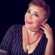 Elane Ferreira de Souza