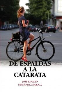 DE ESPALDAS A LA CATARATA